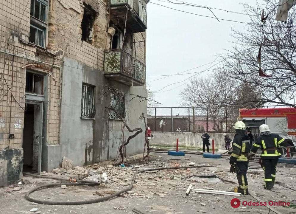 Взрыв в трехэтажке на Слободке: жильцов дома отселят