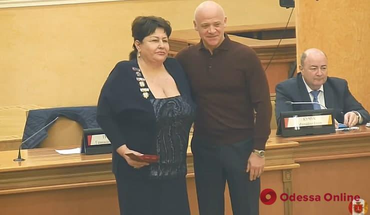 Геннадий Труханов наградил почетными знаками отличия двух выдающихся одесситов