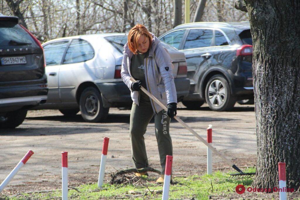 В парке Шевченко проходит масштабный субботник (фото)