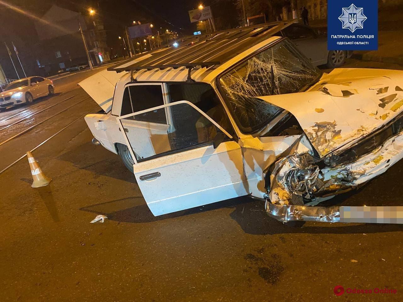 На Молдаванке столкнулись две легковушки – есть пострадавший
