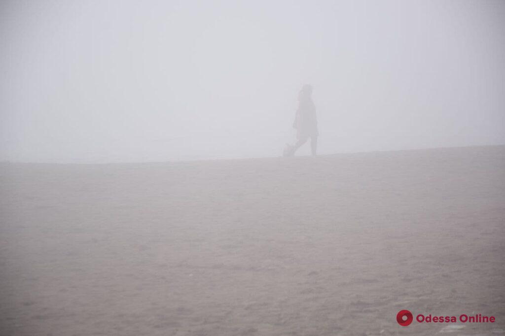 Одесса: туманное утро в Лузановке (фото, видео)