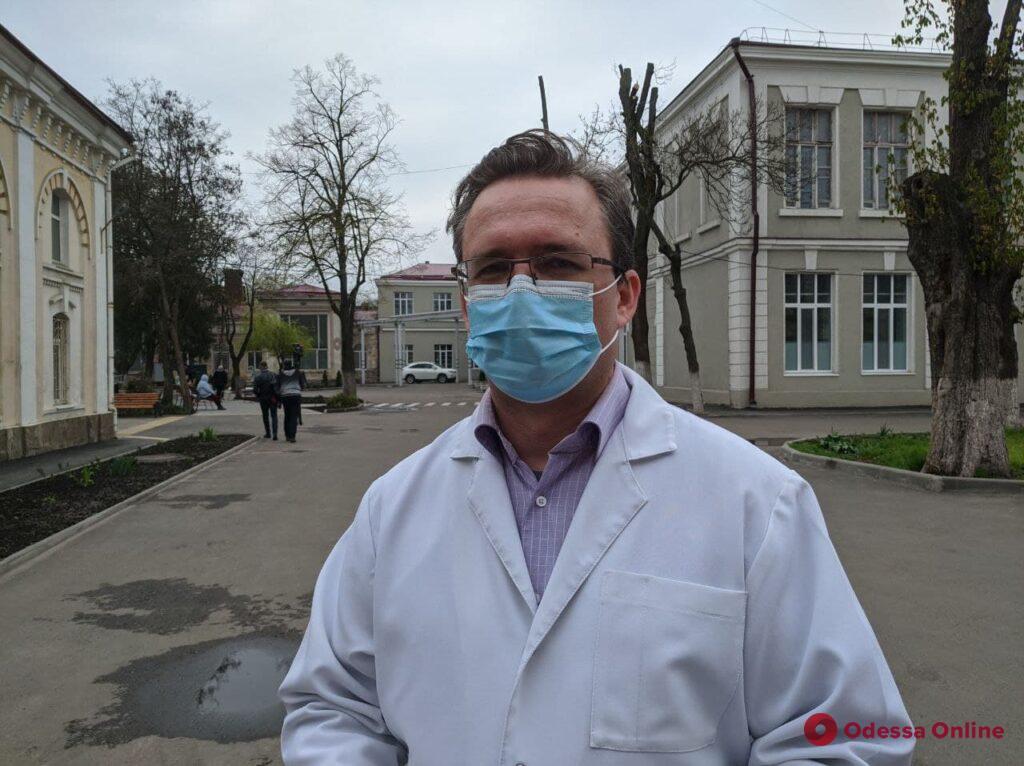 Медики рассказали о состоянии пострадавших при падении лифта на Маршала Говорова