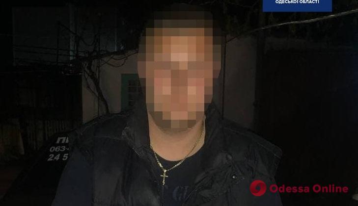 На поселке Котовского пьяный водитель пытался скрыться от патрульных, а потом предлагал им взятку