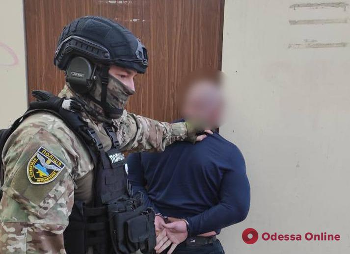 В Одессе двое рэкетиров вымогали деньги у предпринимателя