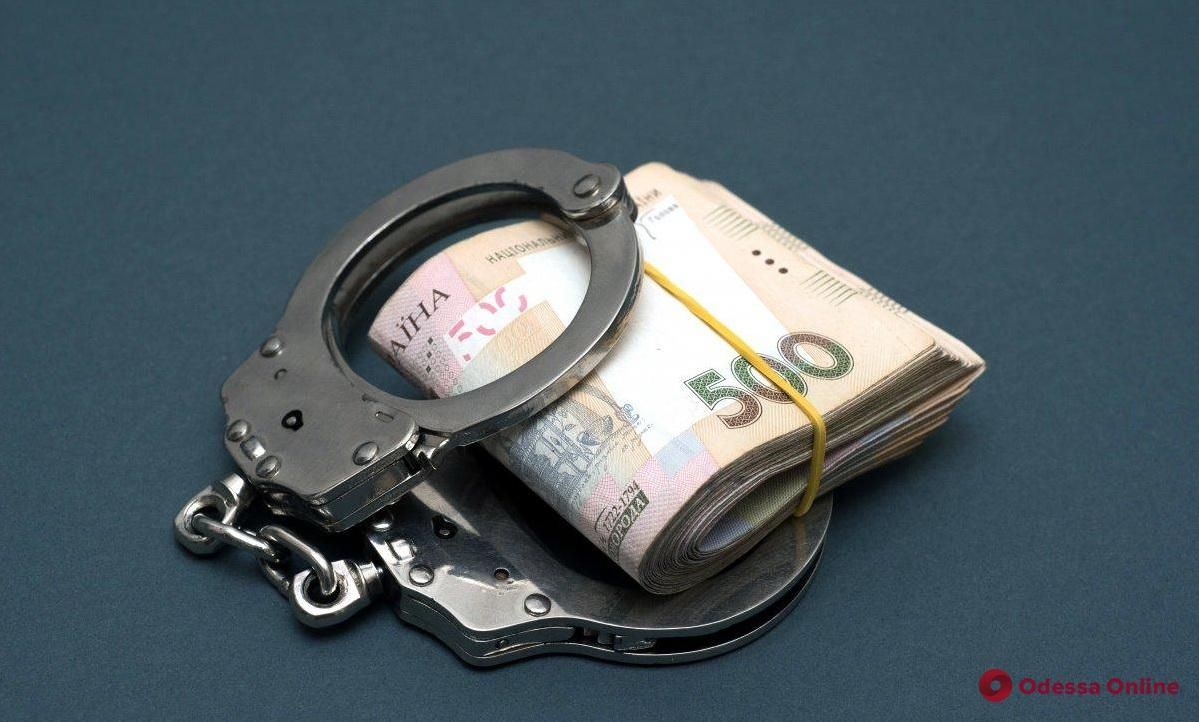 Три тысячи за «решение проблемы»: одесские правоохранители отказались от взятки