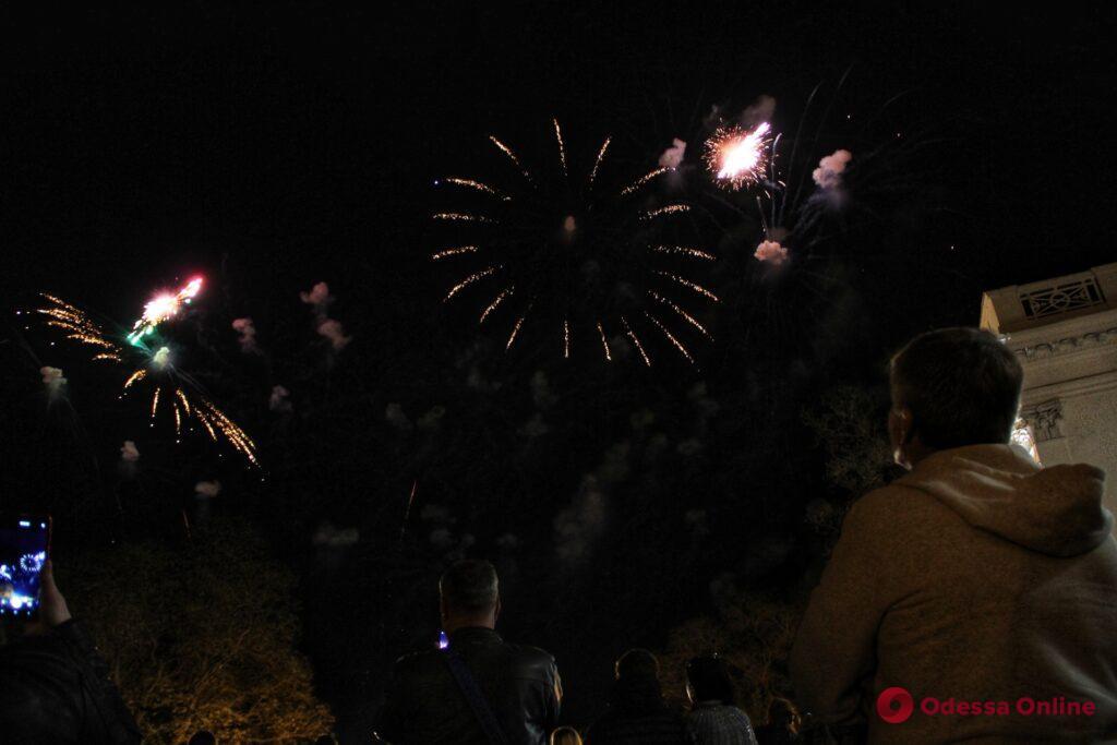 День Победы в Одессе завершился  праздничным салютом (фото, видео)