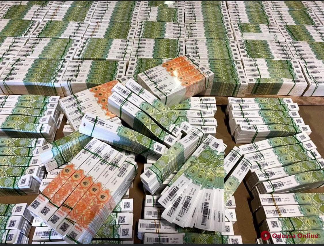 В порту Черноморска выявили почти два миллиона поддельных акцизных марок