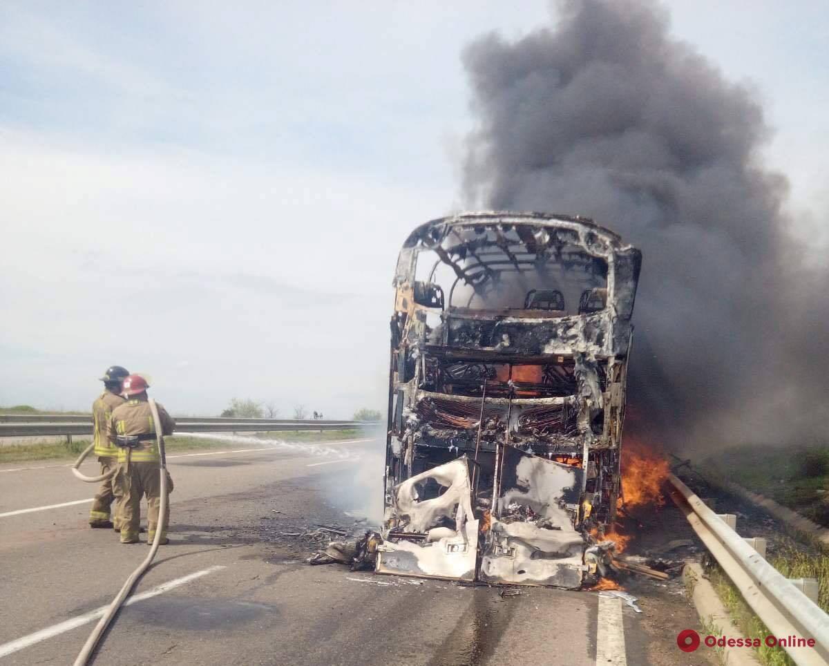 Пожар в рейсовом автобусе: перевозчик прокомментировал инцидент на трассе Одесса-Киев