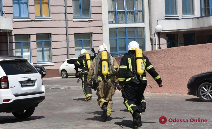 В многоэтажке на Лидерсовском бульваре провели пожарные учения