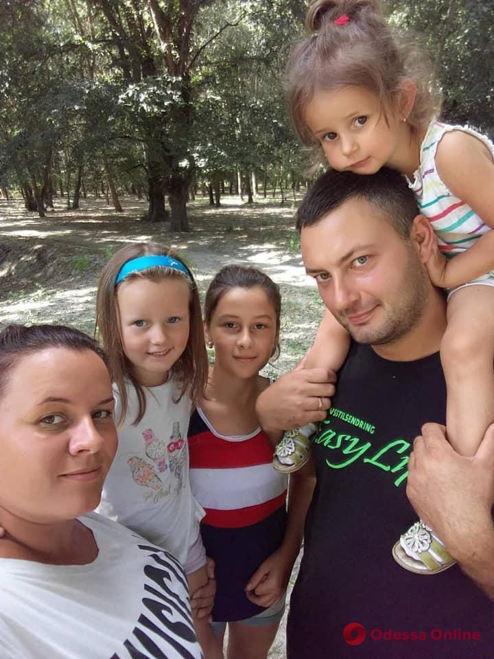 Виновник смертельного ДТП предложил семье погибшей матери троих детей тысячу гривен в месяц компенсации