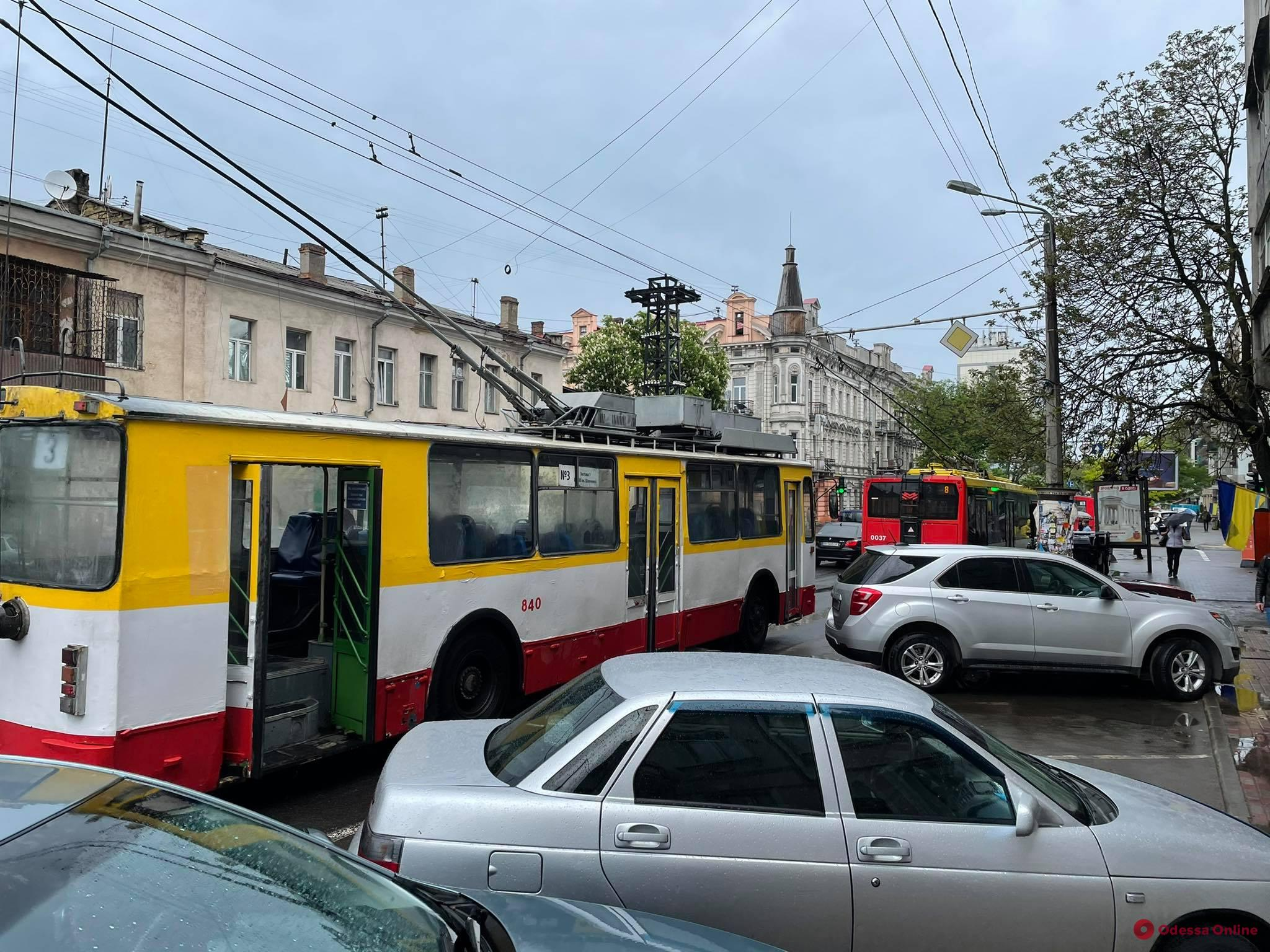 В Одессе из-за аварии на подстанции не ходят троллейбусы и трамваи (обновлено)