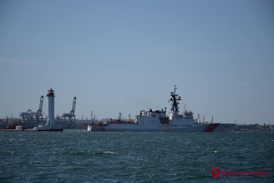 Корабль Береговой охраны США Hamilton покинул акваторию Одесского порта