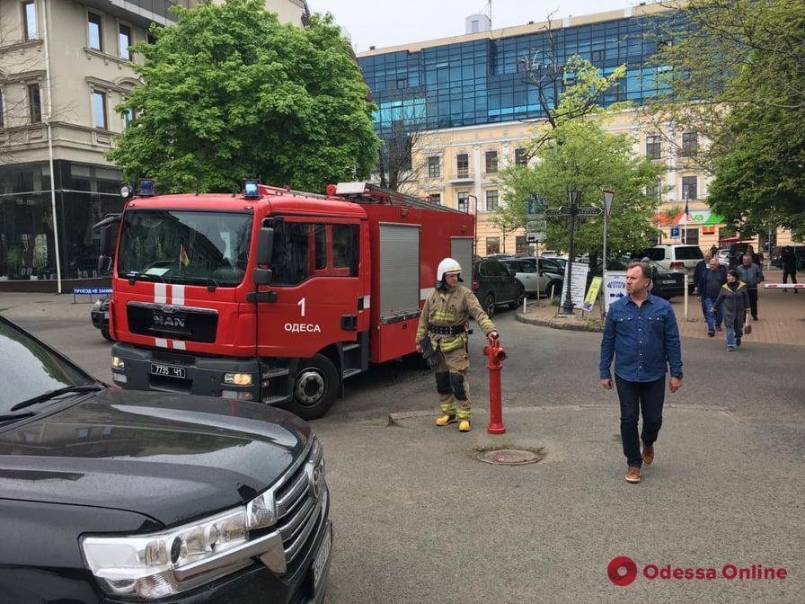 В Приморском отделе полиции Одессы произошел пожар — есть пострадавший
