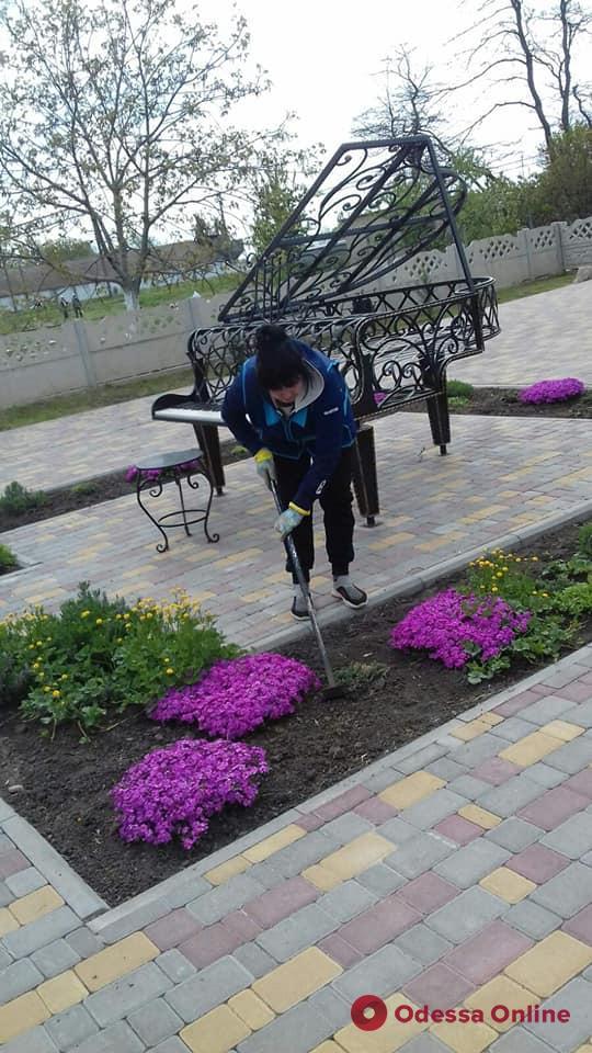 В поселке под Одессой готовят к открытию сквер «Сальвадора Дали» (фото)