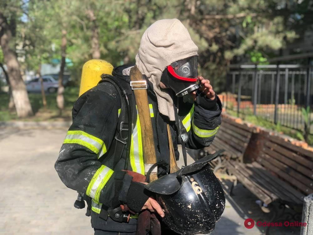 В одесской больнице тушили пожар — эвакуировали почти 40 человек (фото)