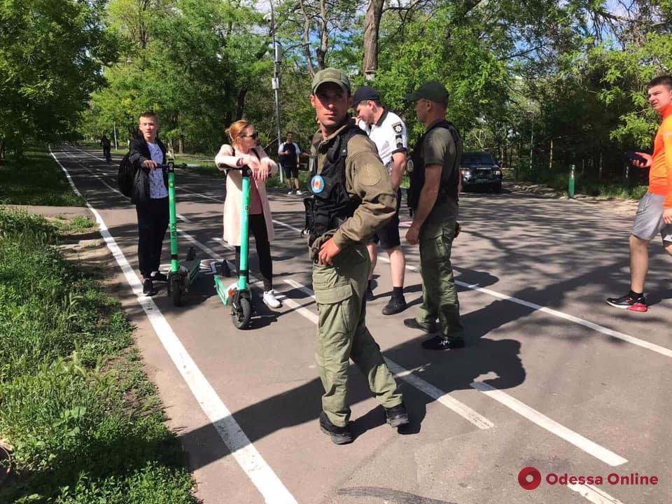 В Одессе в результате падения с электросамокатов пострадали два человека