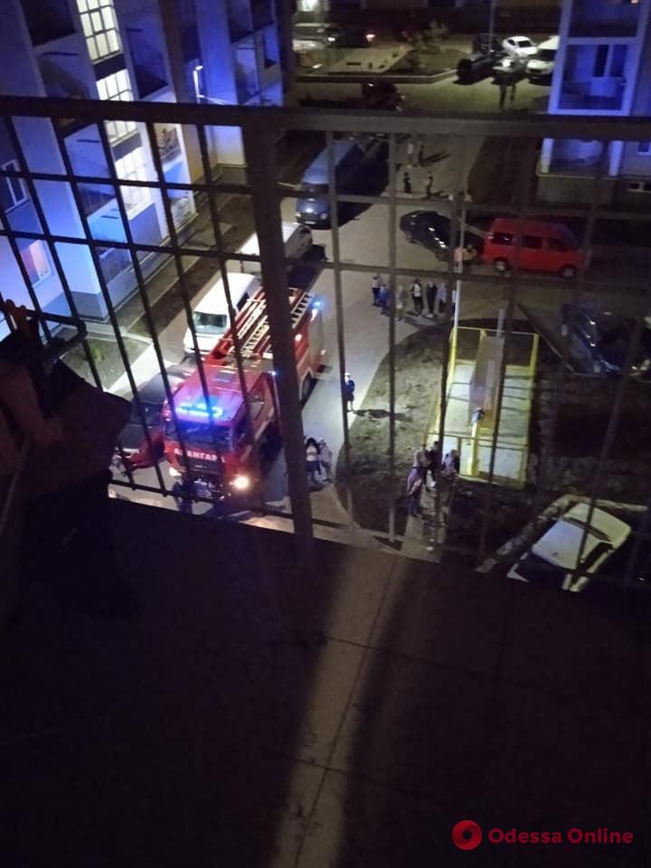 Под Одессой в ЖК «7 небо» во время пожара в пятиэтажке спасли мальчика