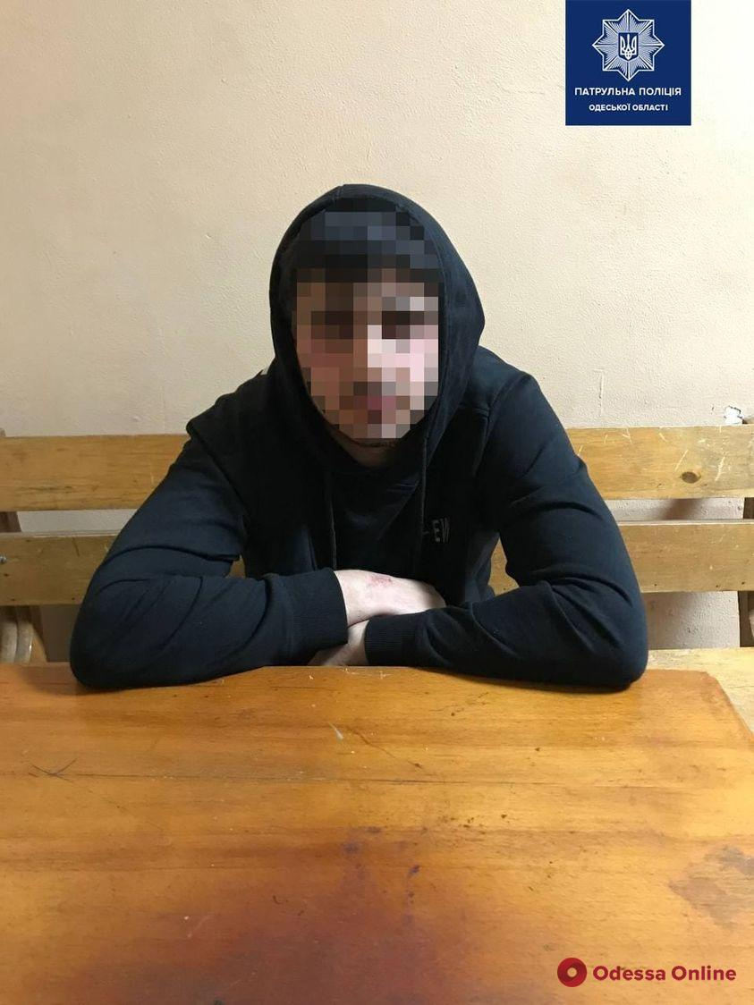 В Одессе пьяный мопедист предлагал патрульным взятку