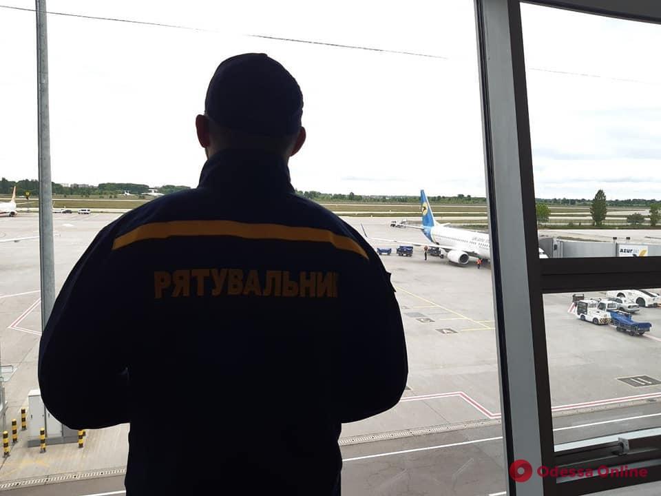 Гуманитарная помощь: Украина отправила в Индию первую партию кислородных концентраторов