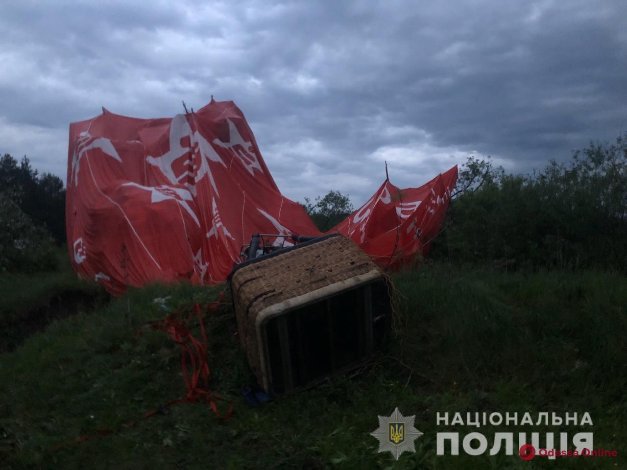 На фестивале в Хмельницкой области упал воздушный шар с людьми – есть погибший