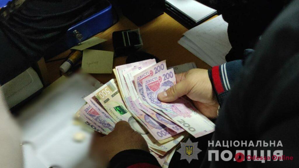 В Одессе задержали врачей, торговавших рецептами на наркосодержащие препараты