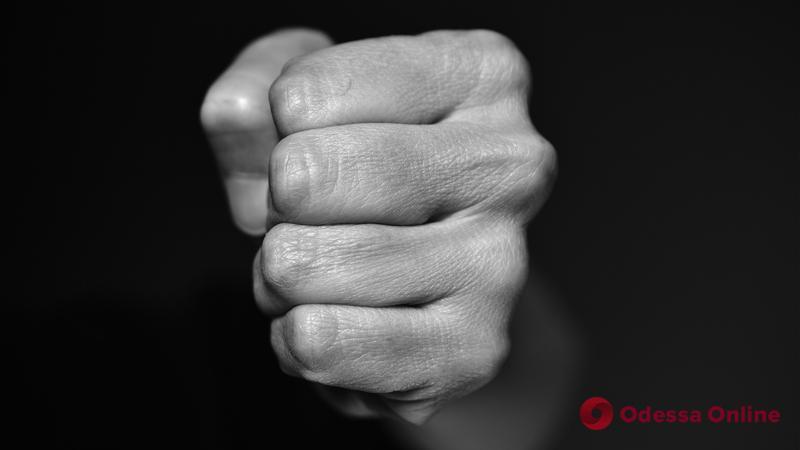 В Одесской области парень ударил по голове и ограбил односельчанина