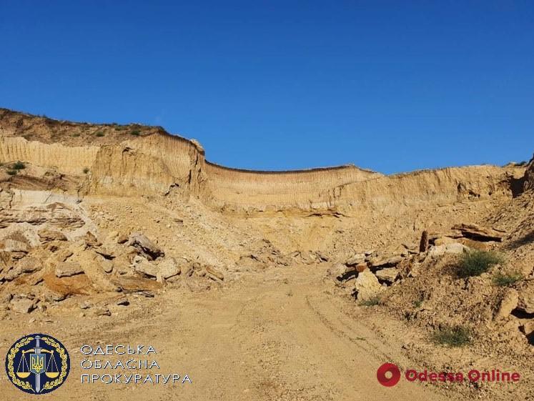 Незаконная добыча песка: предпринимателю «светит» до 8 лет тюрьмы (фото)