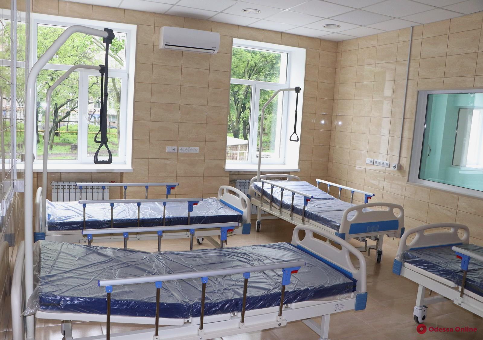 В больнице на Лидерсовском бульваре готовят к открытию новое отделение для лечения пациентов с Covid-19 (фото)
