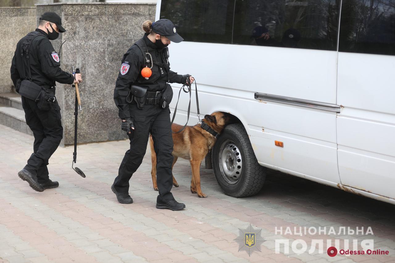 В Одесской области возле храмов дежурят более тысячи правоохранителей
