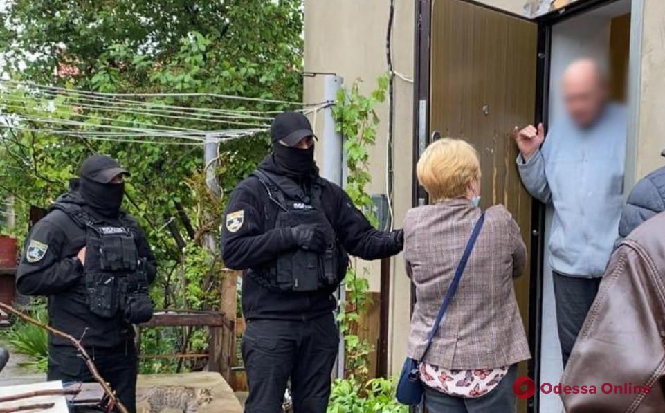 Дело педофилов: одесский суд отправил подозреваемую в СИЗО