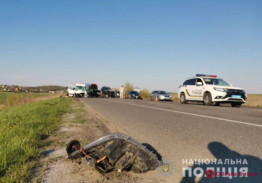 В жутком ДТП в Ровенской области погибла семья с младенцем