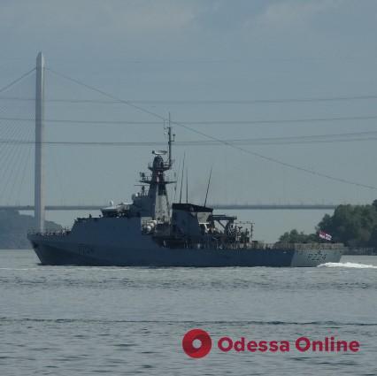 В Одессу направляется британский патрульный корабль