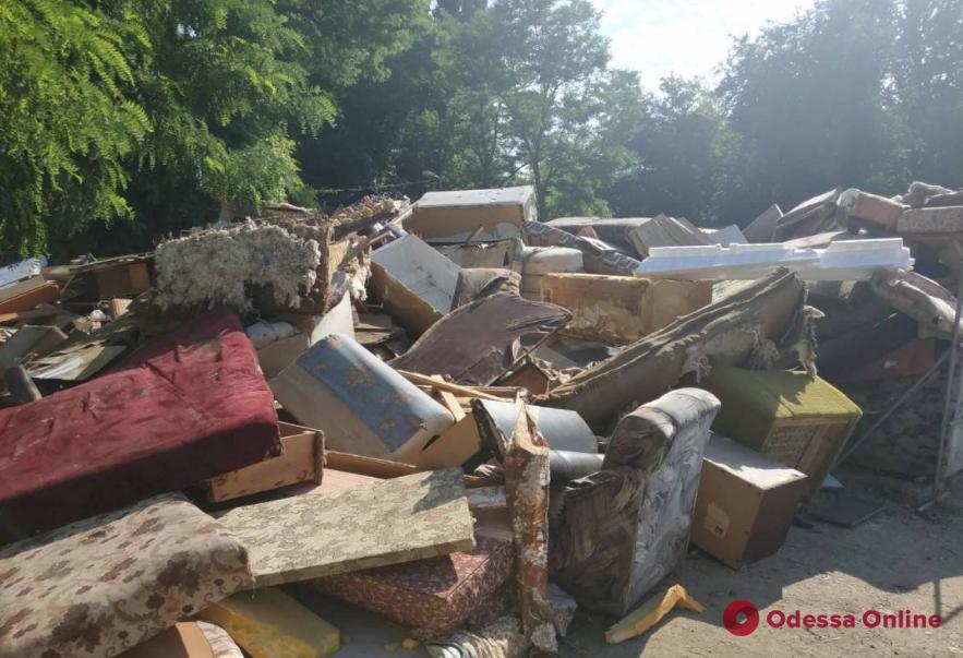 В Одессе появится дополнительный сервис по вывозу негабаритного мусора