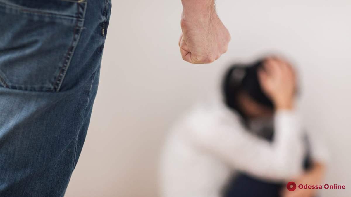 Унижал, оскорблял, угрожал: суд вынес мужчине приговор за психологическое насилие в отношении жены