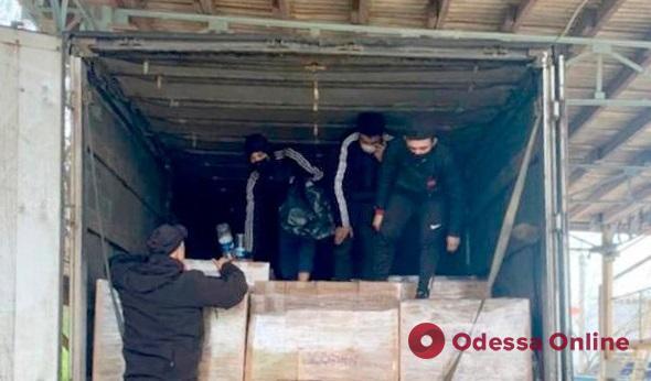 В Черноморском порту обнаружили нелегалов из Палестины и Туниса