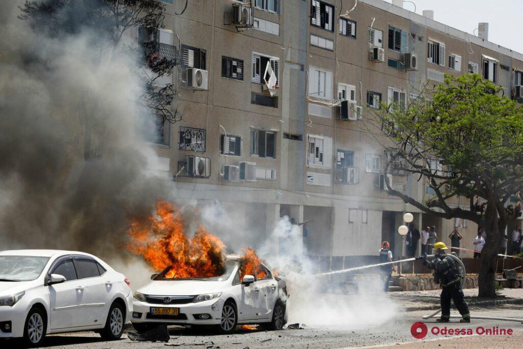 Сотни ракет и жертвы: Израиль подвергся крупнейшему обстрелу (видео)