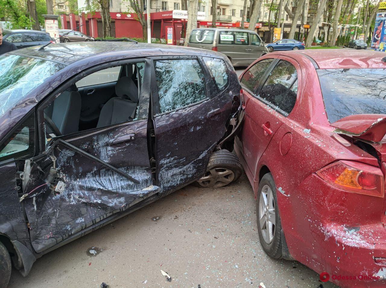 Пропускал пешехода-нарушителя: на Шевченко произошло ДТП, есть пострадавшие (видео аварии)