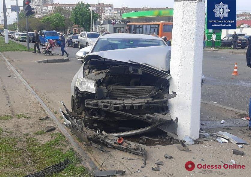 На Таирова произошло ДТП с пострадавшими (обновлено)