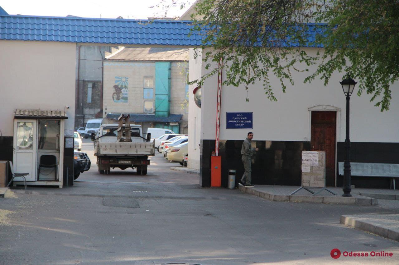 В Одессе на журналиста напал охранник складов логистической фирмы