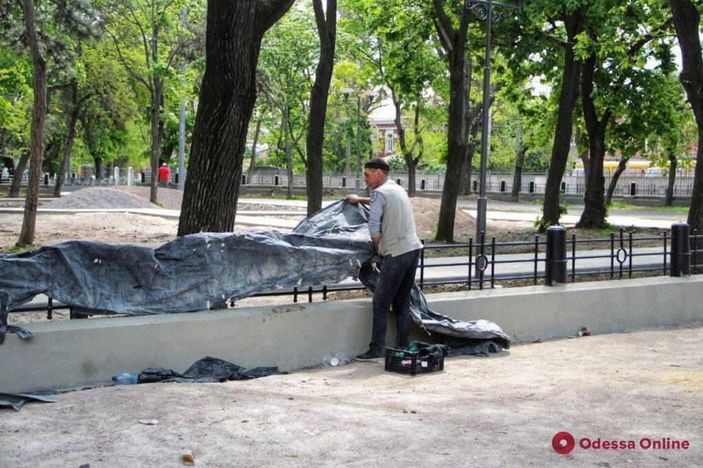 Благоустройство Алексеевского сквера на Молдаванке близится к завершению (фото)