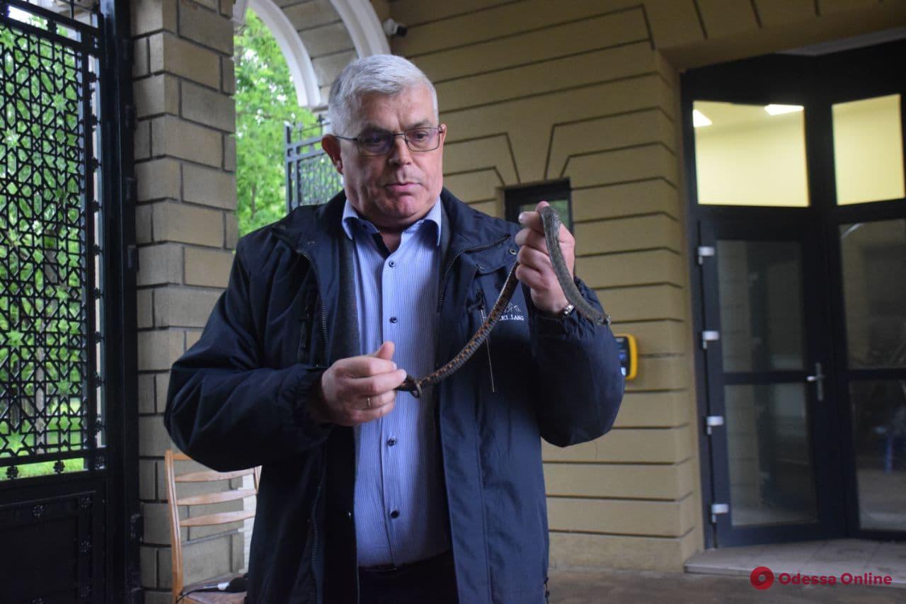 Директор Одесского зоопарка объяснил патрульным и спасателям, как обращаться со змеями (фото, видео)