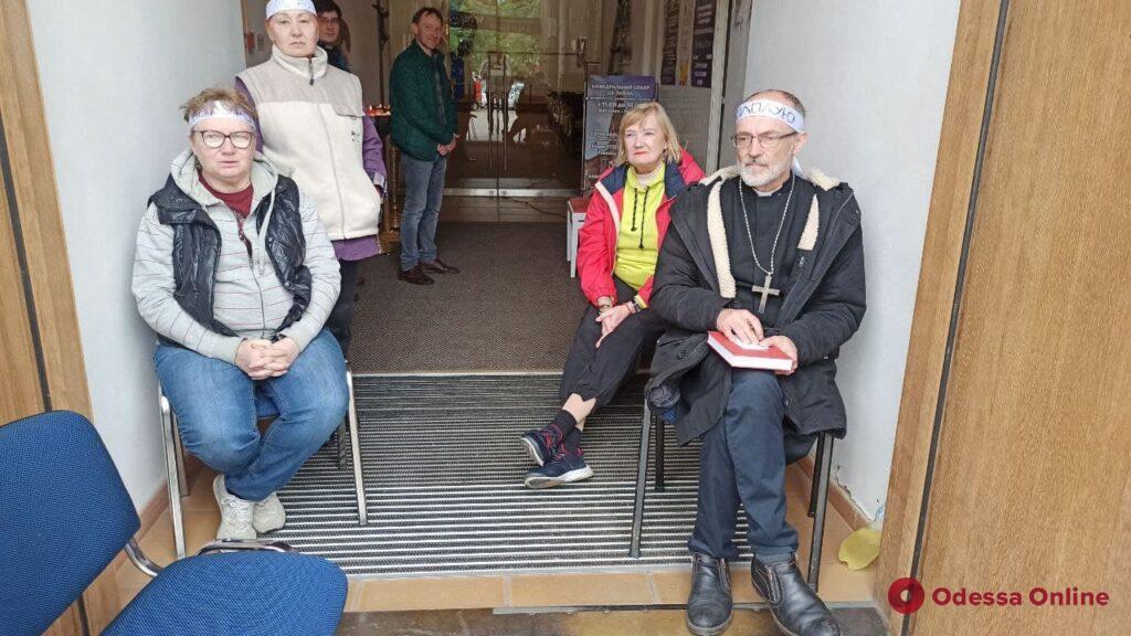 В Одессе настоятель Кирхи объявил голодовку (фото)