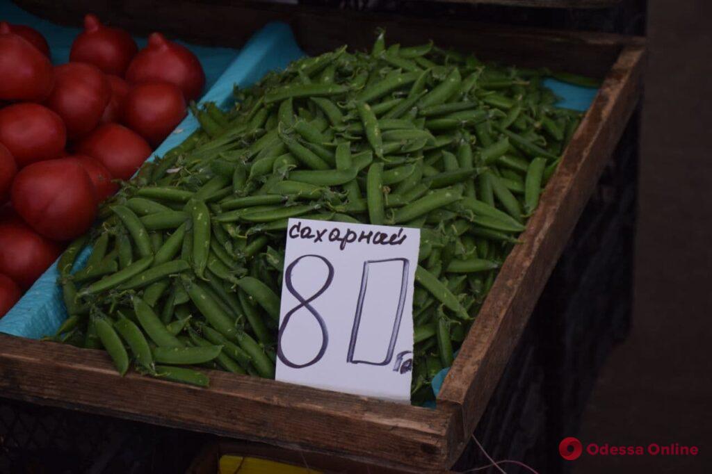 Фундук, зеленый горошек и раки: актуальные цены на одесском «Привозе»
