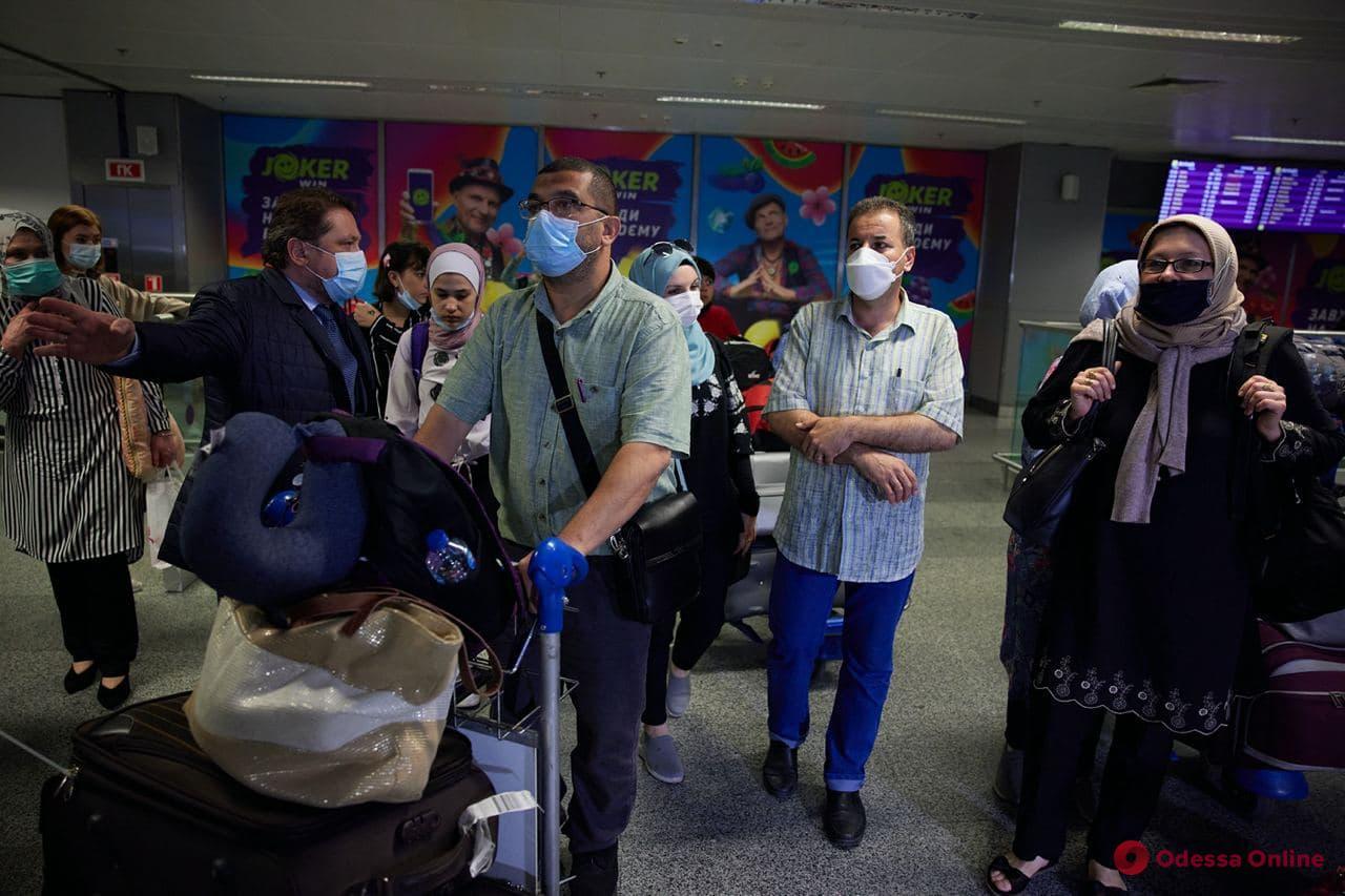 Эвакуация из сектора Газа: свыше сотни украинцев вернулись на родину