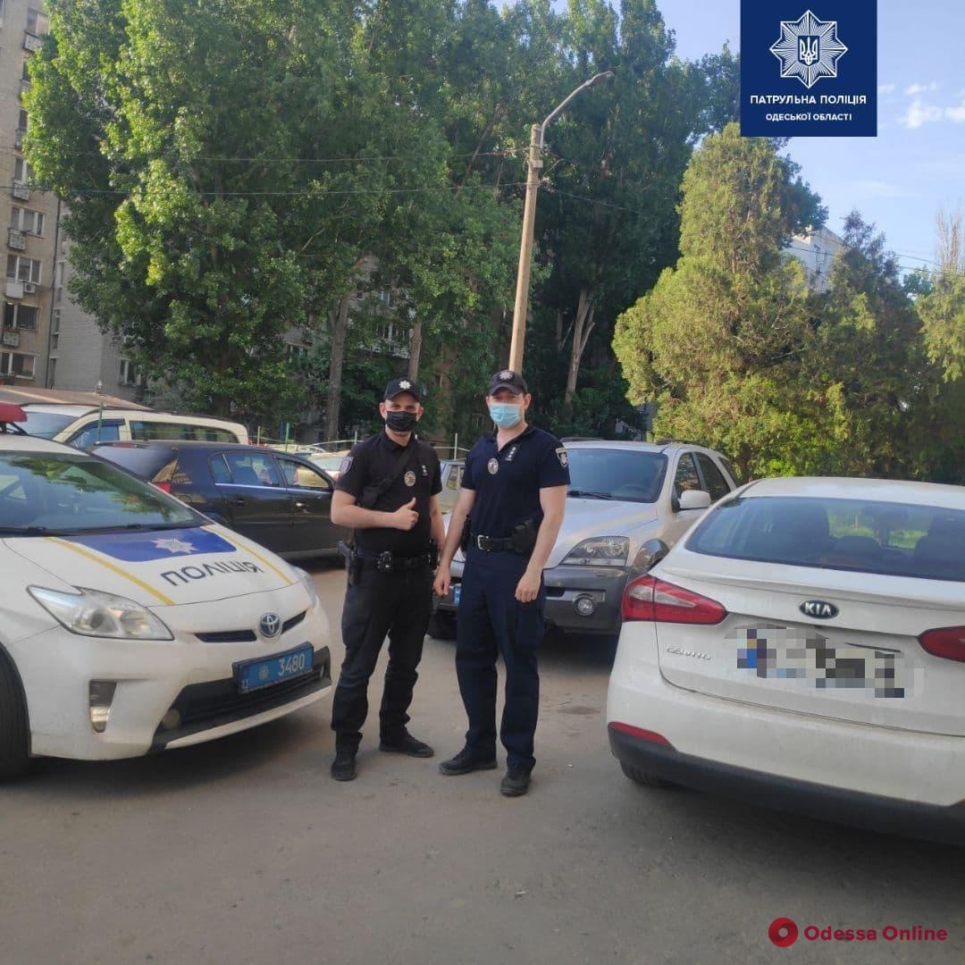 Одесские патрульные помогли срочно доставить в больницу донорскую кровь для ребенка