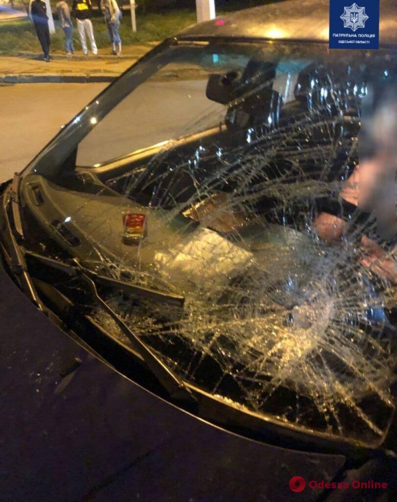 На Балковской автомобиль Volkswagen сбил женщину