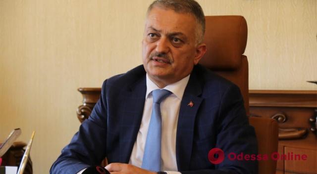 Вечеринка в разгар локдауна: в Турции из-за украинских туристов закрыли отель