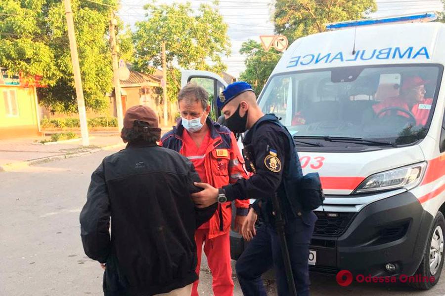 В Измаиле нацгвардейцы помогли мужчине, у которого случился инсульт
