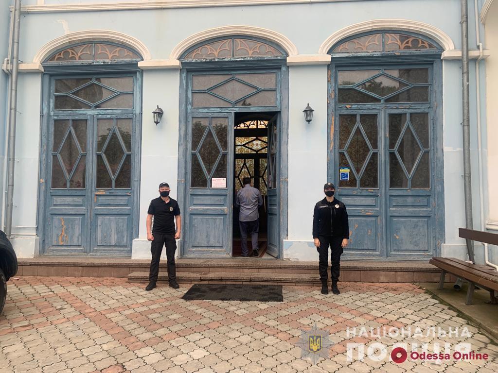 Праздник Троицы в Одесской области прошел спокойно, но на Дерибасовской случилась драка (видео 18+)