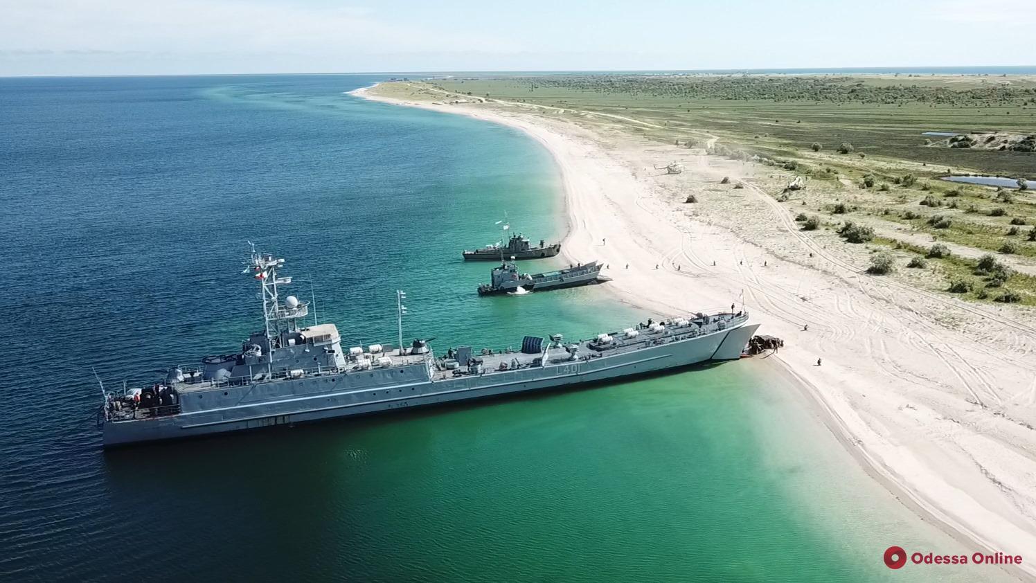Украинские ВМС провели учения по высадке десанта (фото)